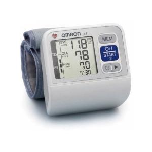 tensiometre omron r3 new lectronique poignet un tensiometre automatique de la gamme omron. Black Bedroom Furniture Sets. Home Design Ideas